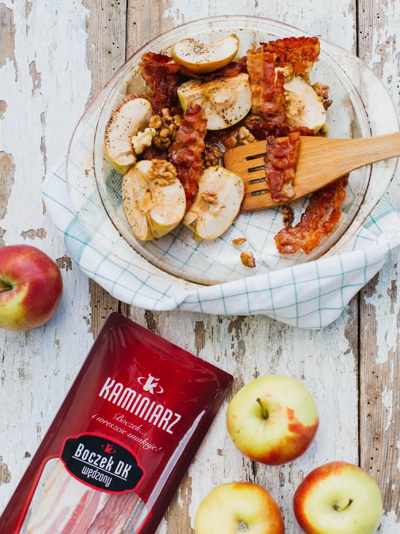 karmelizowane-jablka-z-orzechami-i-boczkiem