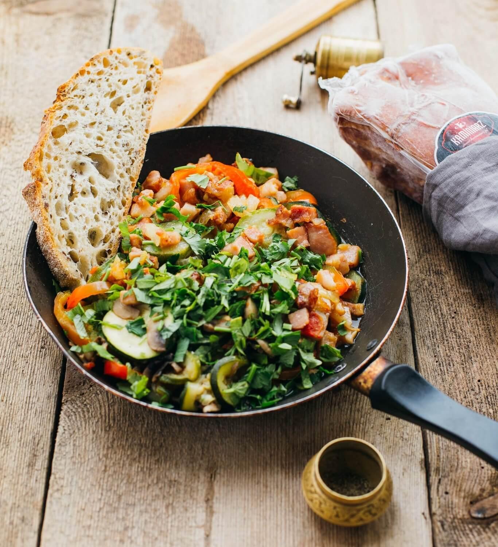 leczo-z-cukini-pomidorami-i-smazonym-boczkiem4