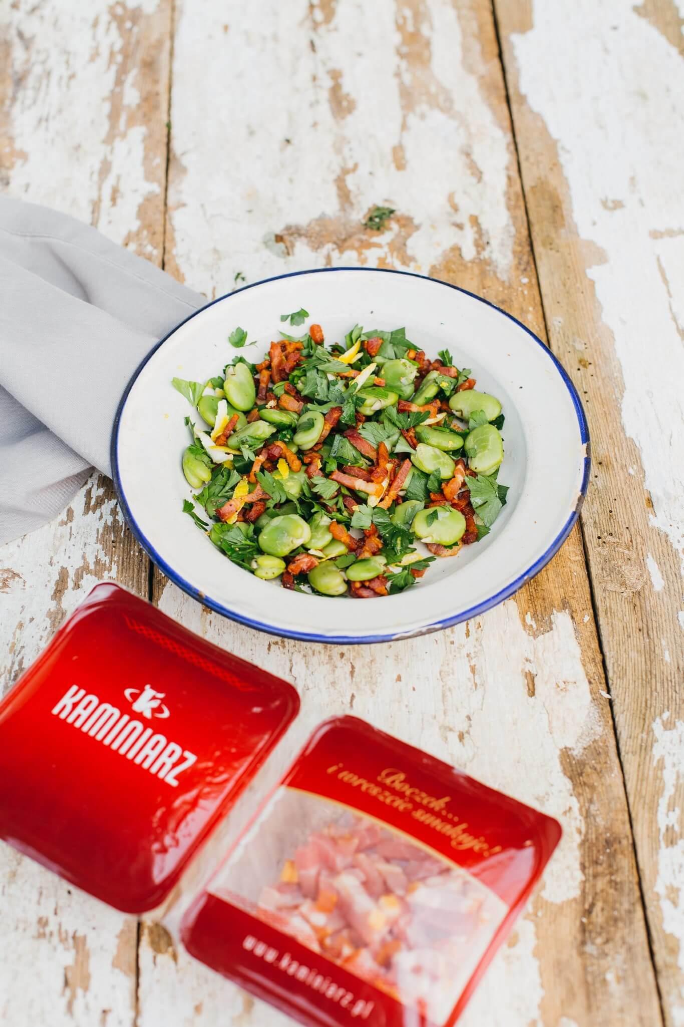 przepis na kolacje salatka z bobem i boczkiem w aromatycznym sosie4
