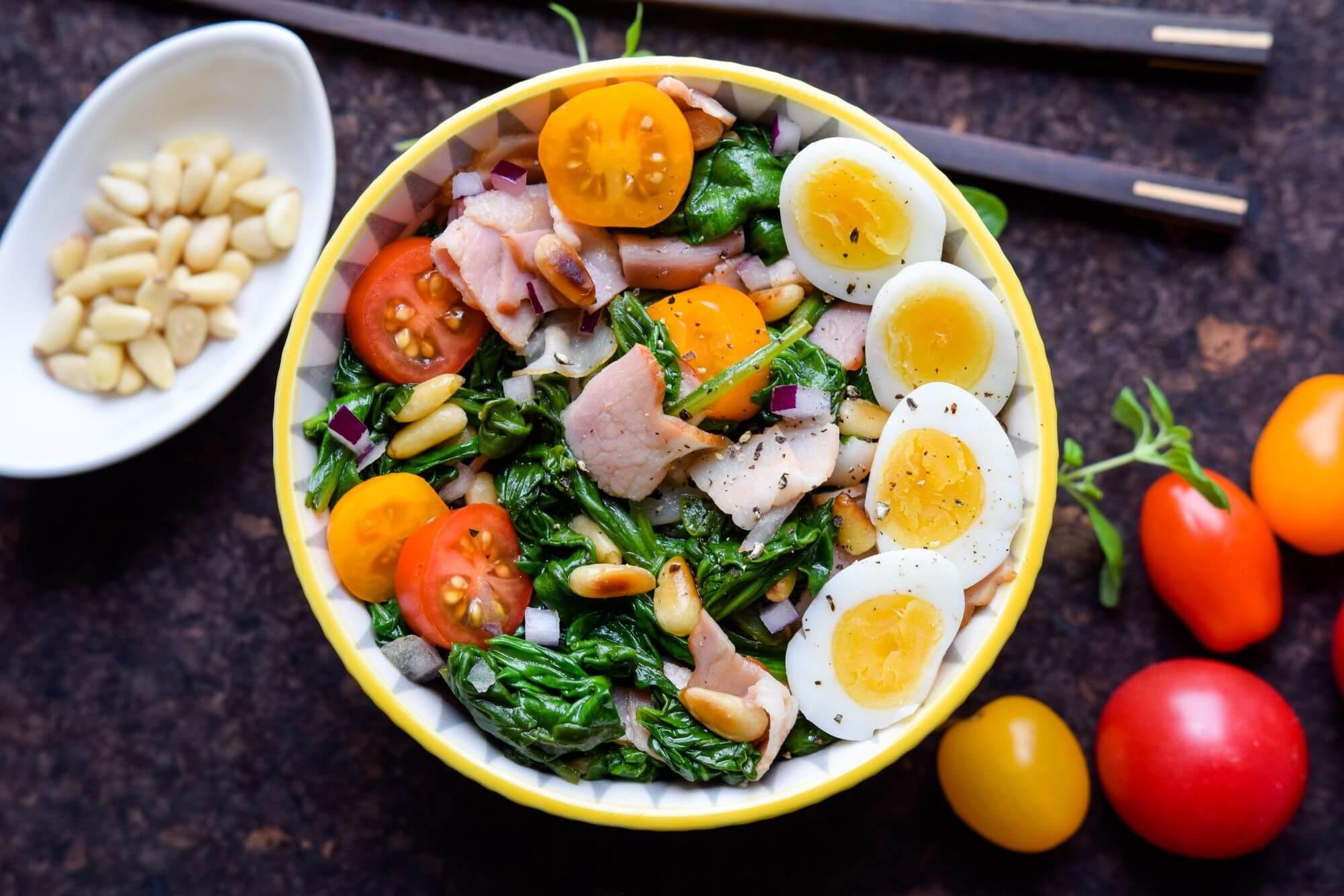 salatka-ze-szpinaku-i-boczku-7